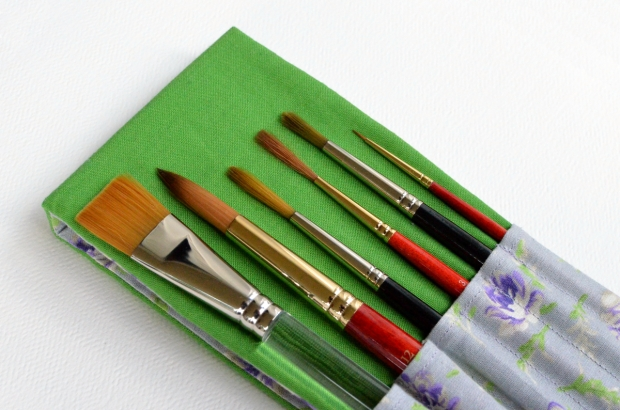 paint-brush-case-close-up.jpg